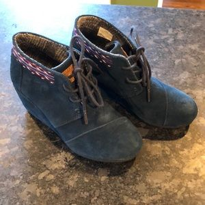 Toms Dessert Suede Wedge Booties 5.5